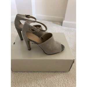 Banana Republic heels. Size 6. New!